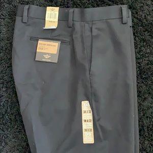 Dockers D3 W38 L32 khaki black pants